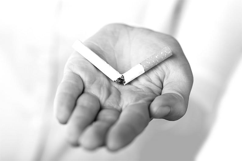 Raccomandazione ai fumatori: mangiate aglio crudo.