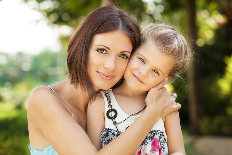 Sei una mamma? Il tuo controllo emotivo può aiutare i tuoi figli a comportarsi bene.